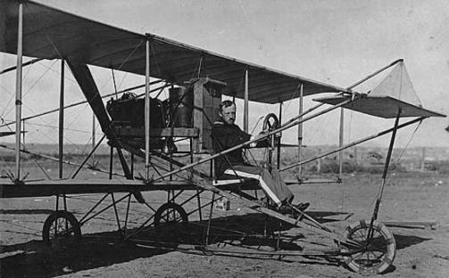 KELLEY-George-E.M.-Second-Lieutenant-U.S.-Army-in-Curtiss-Trainer-1911
